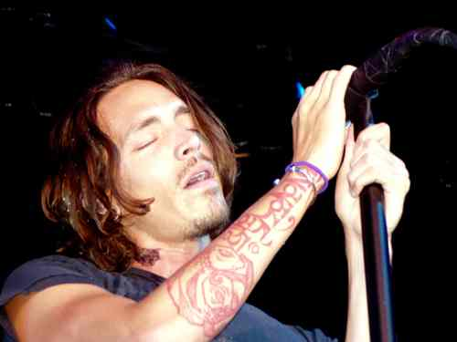Incubus photo by Phil Hunt
